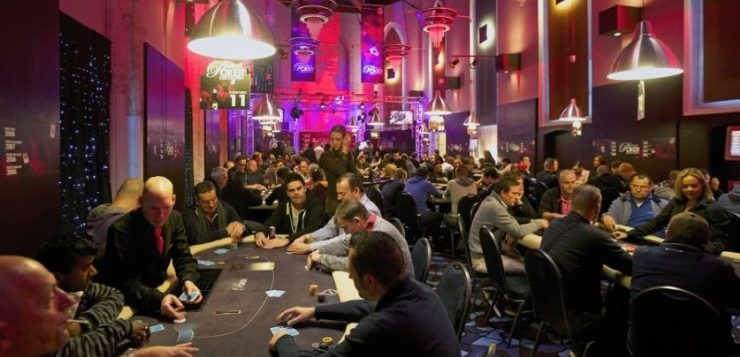 Judi poker online bank bca